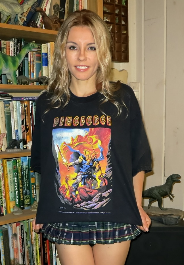 Dinoforce-shirt