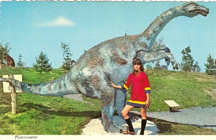 Plateosaurus statue postcard