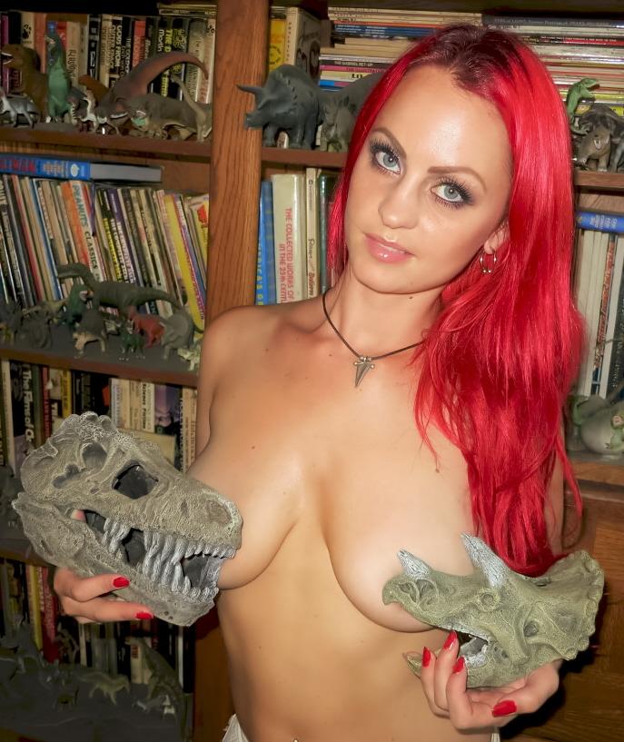 fish-tank-dinosaur-skulls