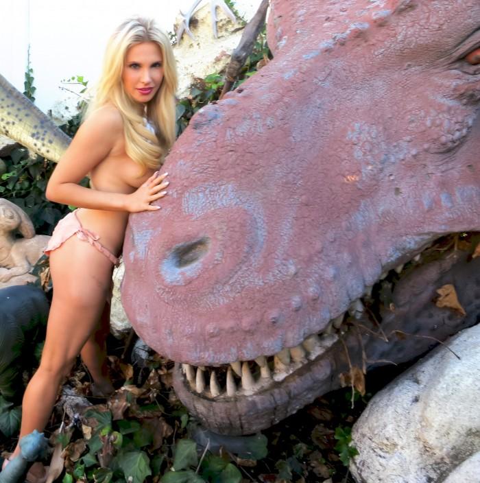 Jonas T. rex head